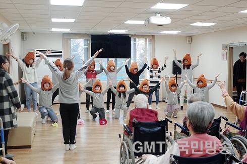 일월초 위문활동2.JPG