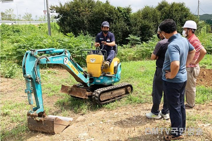 210813보도자료(청송군, 귀농·귀촌인 안전한 농작업 도와) (2).jpg